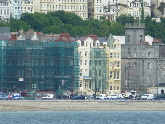 St Heliers Guest House: St Heliers is between the scaffolding
