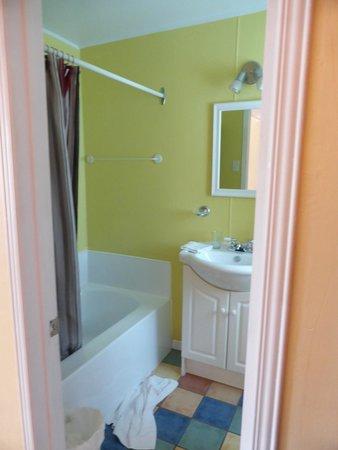 Motel Canadien : Bathroom