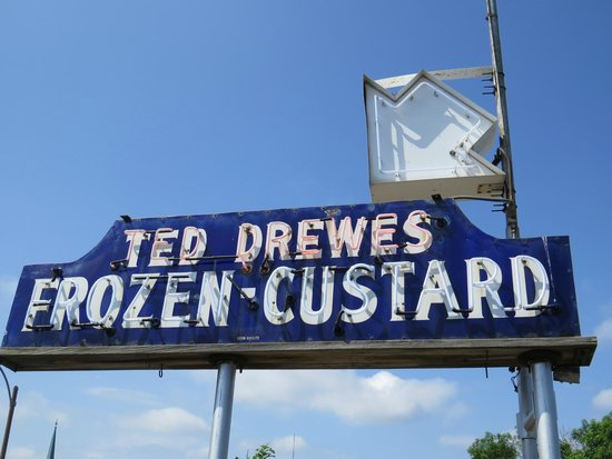 Ted Drew's Frozen Custard: Don't miss the sign!