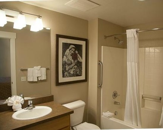 WorldMark Windsor : Master Bathroom