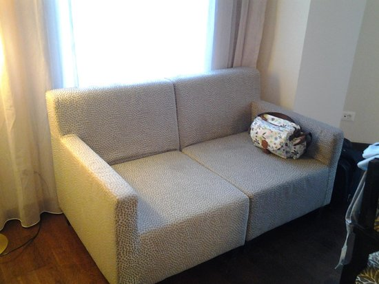 Europa Royale Bucharest: Sofa