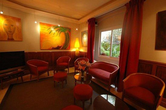 Hotel Les Palmiers: Salon