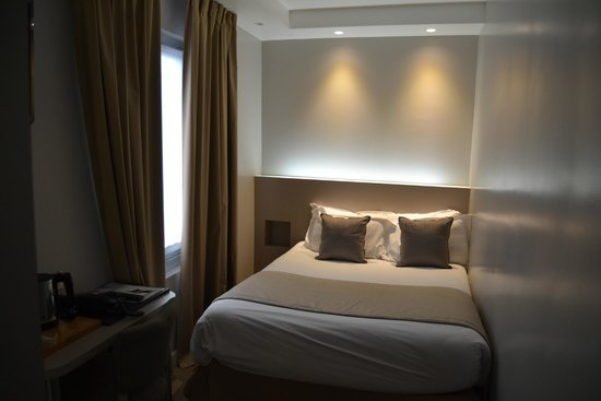 Midnight Hotel Paris: Bedroom