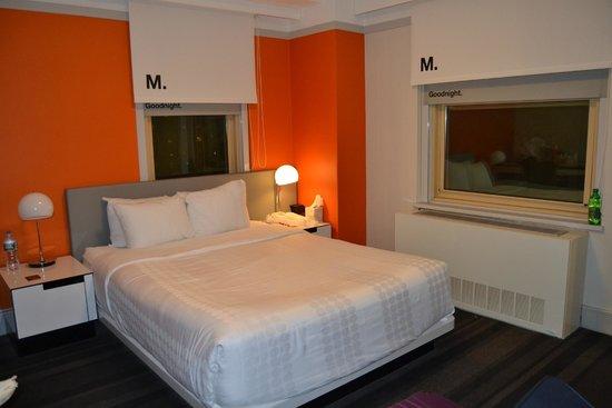 Row NYC Hotel : habitacion en esquina muy espaciosa