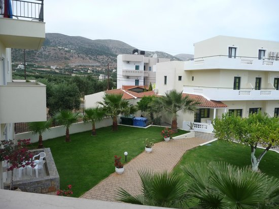 Kristalli Hotel Apartments : garden