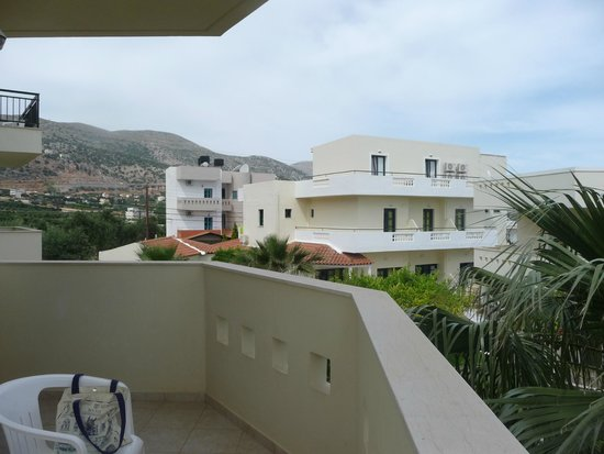 Kristalli Hotel Apartments : balcony