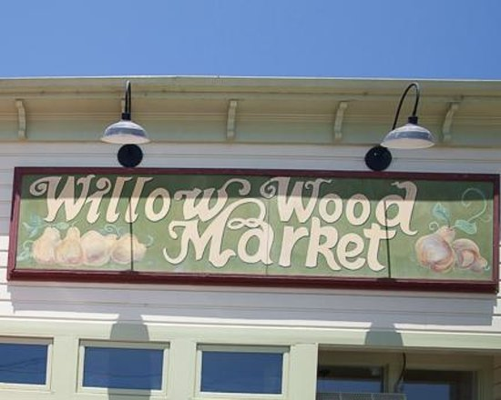 Willow Wood Market Cafe: Willow Wood Entrance Sign