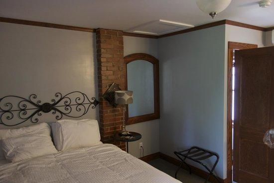 Wagon Wheel Motel: Bedroom