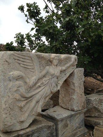 Efes Antik Kenti Tiyatrosu: Nike