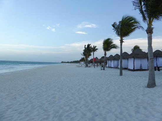 Secrets Maroma Beach Riviera Cancun: Beach early evening showing beach cabanas