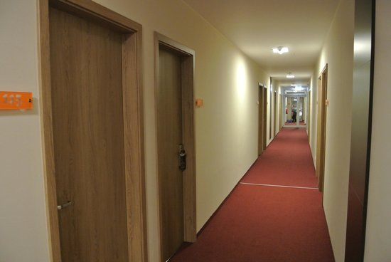 Motel Plus Berlin : корридор