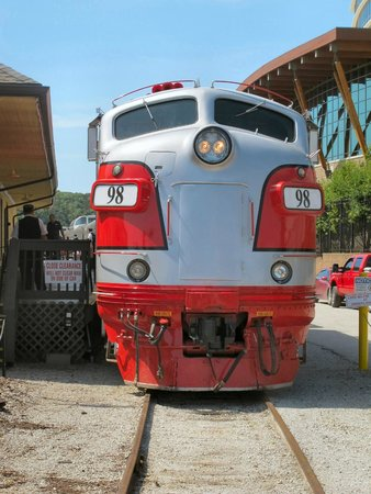 Branson Scenic Railway (Ozark Zephyr): The Engine