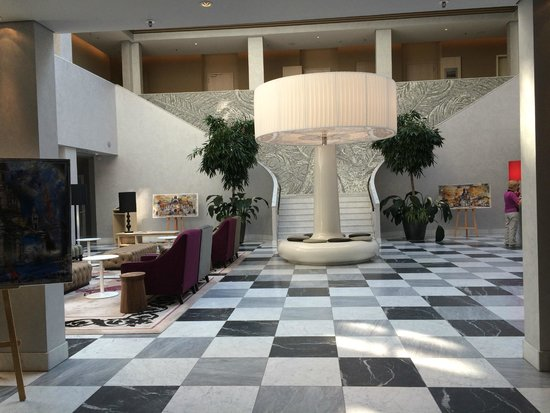 Hyperion Hotel Dresden am Schloss: lobby do hotel