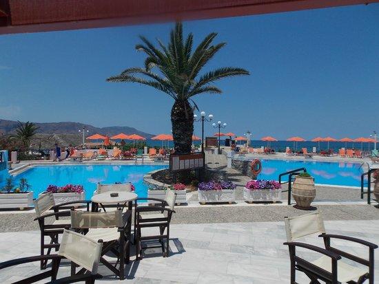 Eden Village Kournas : piscina