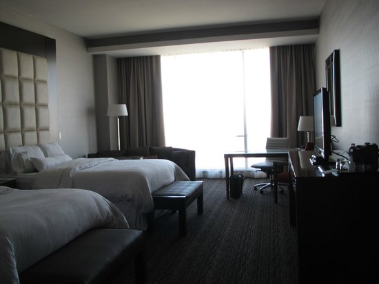 Westin Phoenix Downtown: room with two beds