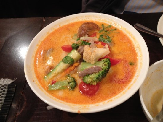 May's Thai: Duck red curry