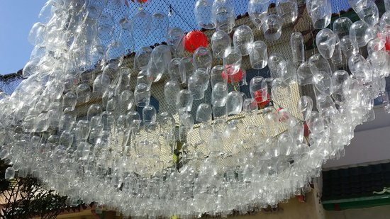 Chinatown : Glass hanging in west plaza
