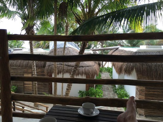 Cabanas Tulum : The view from the balcony--the beach is just down the stairs and past the building in front of y