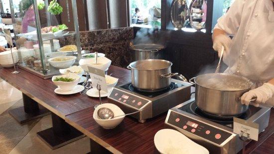 The Berkeley Hotel Pratunam: soup items