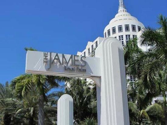 Royal Palm South Beach Miami, A Tribute Portfolio Resort: Front Entrance