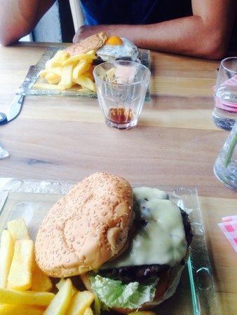 Efstidalur II: Burger