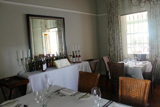De Doornkraal Historic Country House Boutique Hotel: Dining Room
