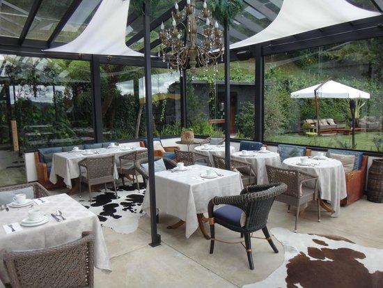 We Hotel: Restaurante