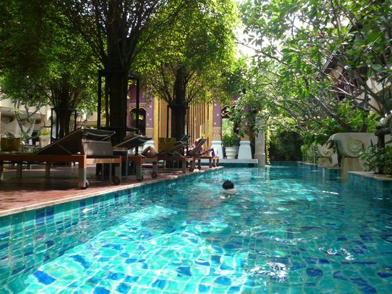 Burasari Resort : Nice pool near the recption