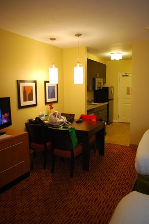 TownePlace Suites Vernal: The room
