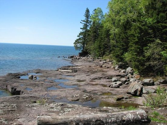 Gooseberry Park Cottages and Motel: View from fire pit area along shore, nice private & secluded