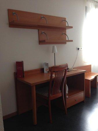 Appart'City Confort Lyon Gerland: Desk area