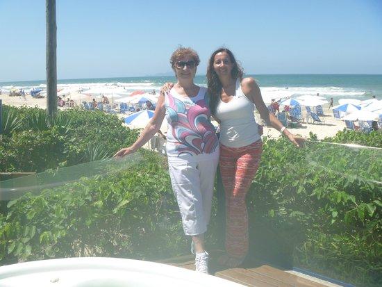 Costa Norte Ingleses Hotel: Vista del hotel a la playa