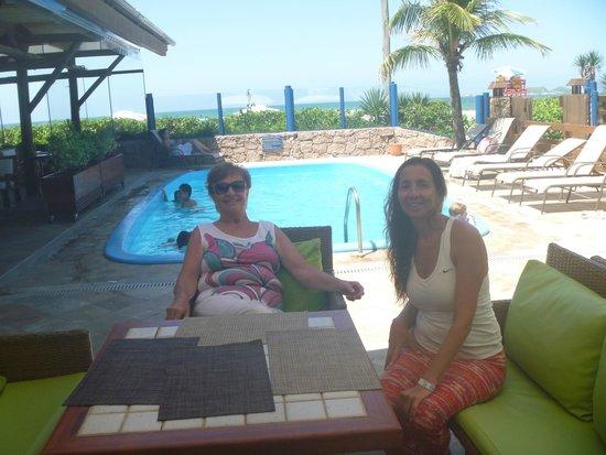 Costa Norte Ingleses Hotel: Piscina al lado del restaurante