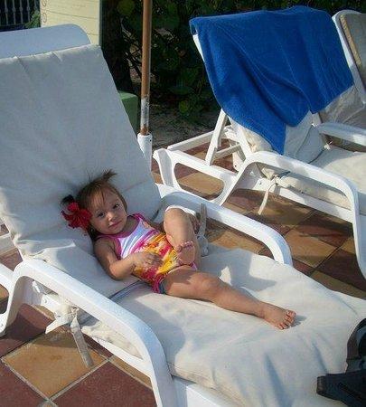 Hotel Riu Palace Punta Cana: by the pool area