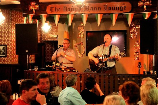 Danny Mann Pub: The Danny Mann Lounge - Killarney, Ireland