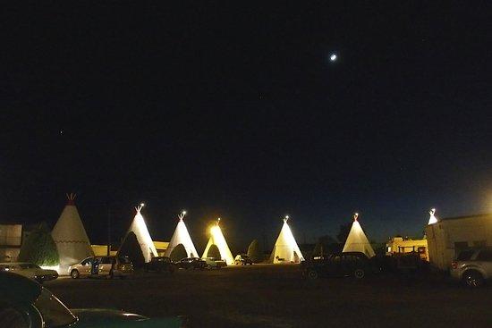 Wigwam Motel : night at the wigwam