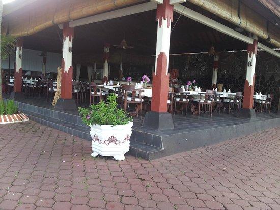 Pondok Bambu : Dining area
