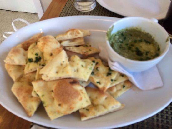 Cafeteria Boston : Spinach artichoke dip--heaven!!
