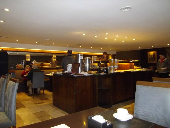 Grand King Hotel: Restaurante