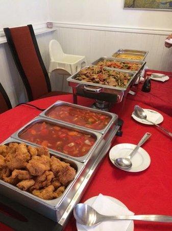 Royal Thai Restaurant: Selskap