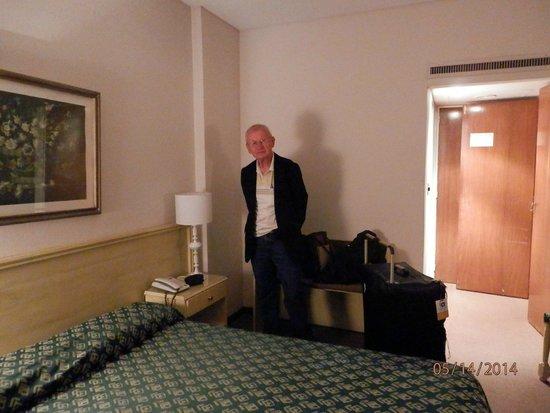 Grand King Hotel: Quarto