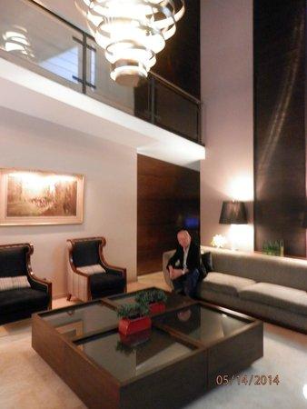 Grand King Hotel: Recepção