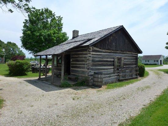 Ozaukee County Pioneer Village: log cabin