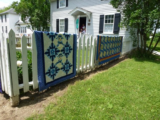 Ozaukee County Pioneer Village: lovely quilt display