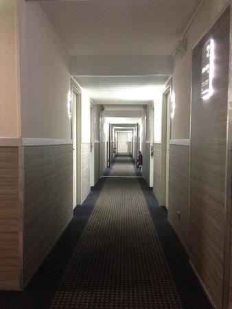 Hotel Apogia Nice: Hallway  2nd Floor