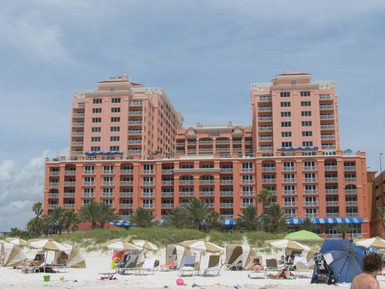 Hyatt Regency Clearwater Beach Resort & Spa: View from Beach