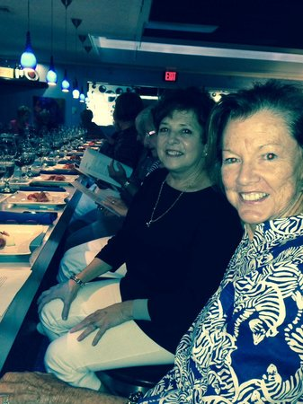 SeaBlue Restaurant & Wine Bar: Lynda and Diane lined up for wine class