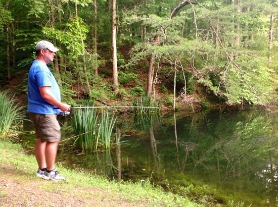 Long Mountain Lodge : fishin' in their pond.