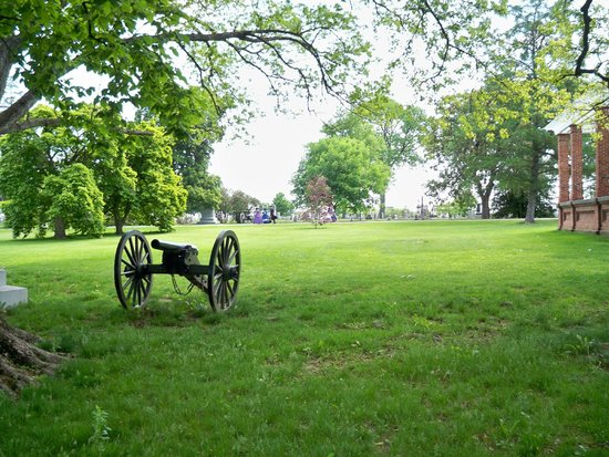 Gettysburg National Cemetery: Cemetery grounds