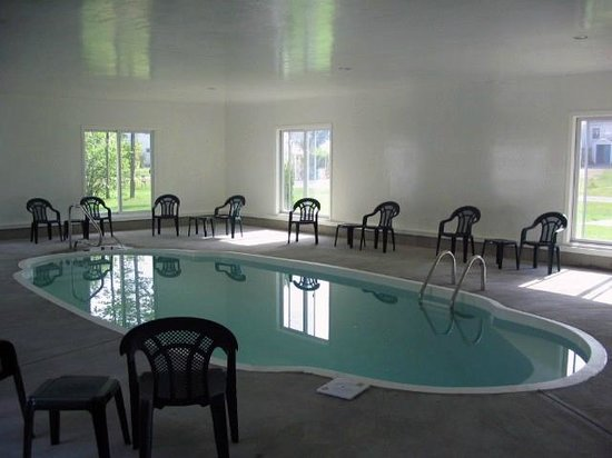 Bourne's Ocean Acres Motel: Indoor Pool